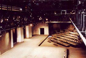 Teatr na Dworcu Świebodzkim, scenografia Jarodzkiego